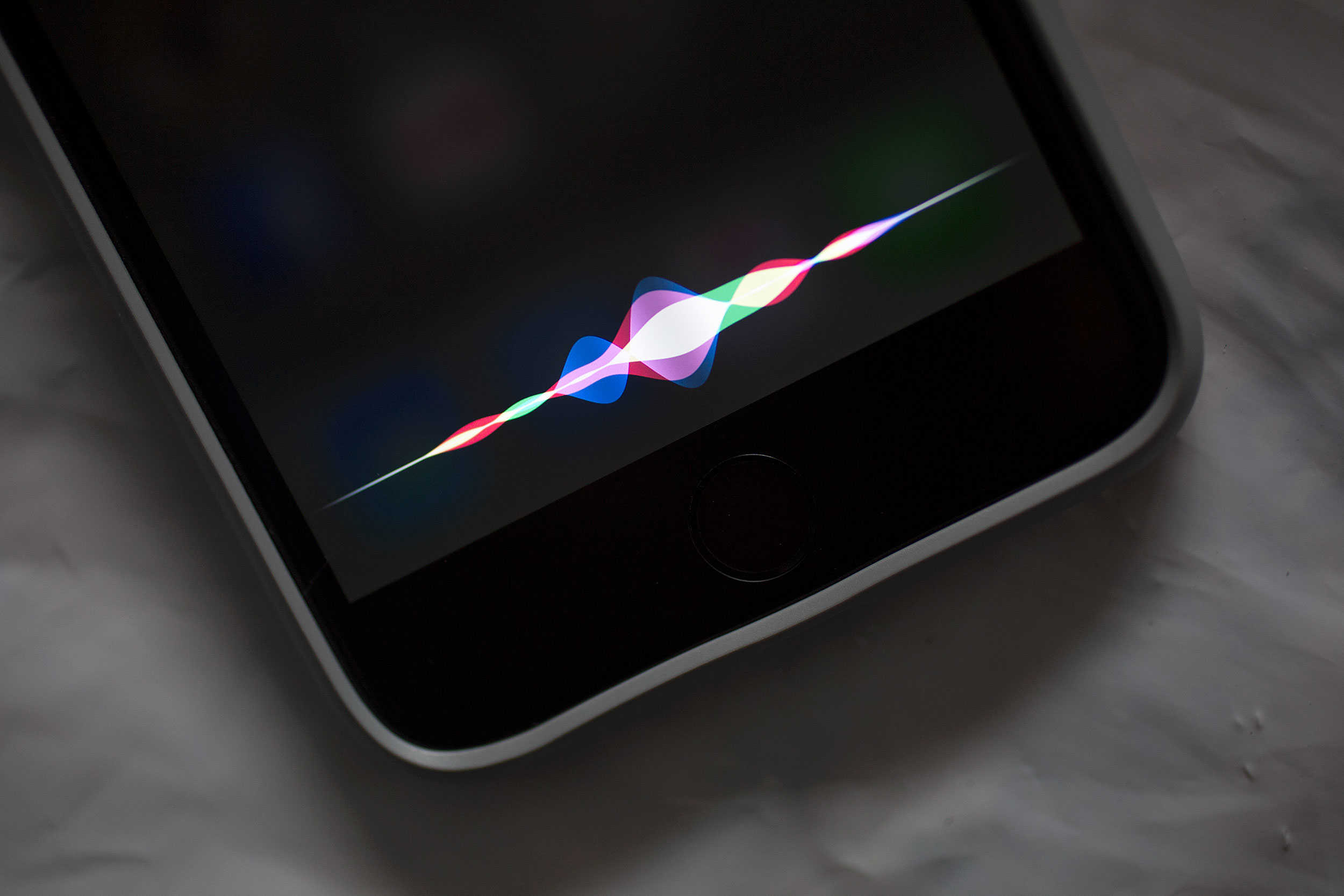 Cult of Android - Hackers can silently access Siri and